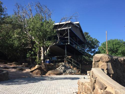 Idube Safaris Hunting Lodge